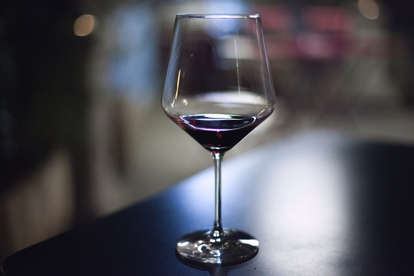 alcohol-drink-glass-drinking-large