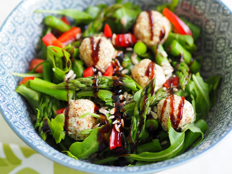fotografia kulinarna, fotografia kulinarna blog, fotografia kulinarna kompozycja, fotografia stylizacja, zdrowe jedzenie, sałatka, koktajl, bloger, zdjęcia kulinarne, jak fotografować jedzenie